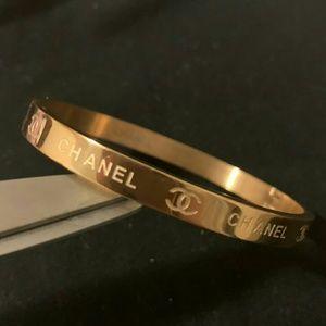 Dazzling lavish bracelet 🐵🐵🐵🐵🐵🐵🐵